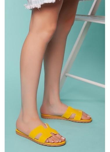 Muggo Terlik Sarı